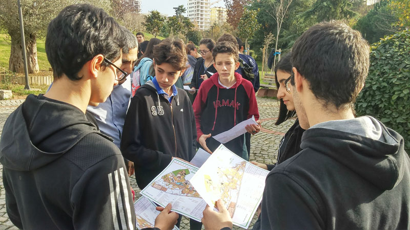 9th graders in Orienteering