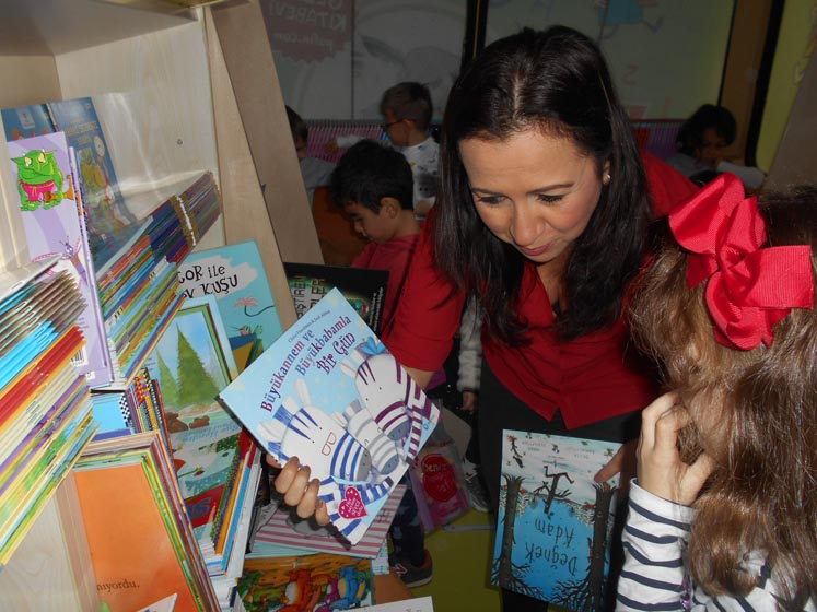 The Puffin Book Bus Visits Our School